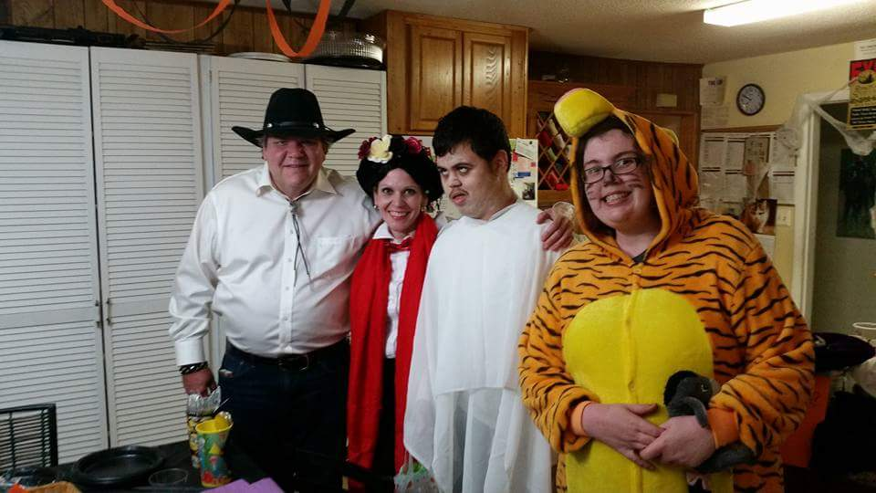 friends-at-linden-lodge-halloween-party